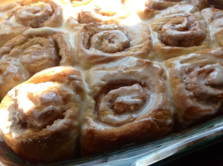 warm-yummy-cinnamon-rolls
